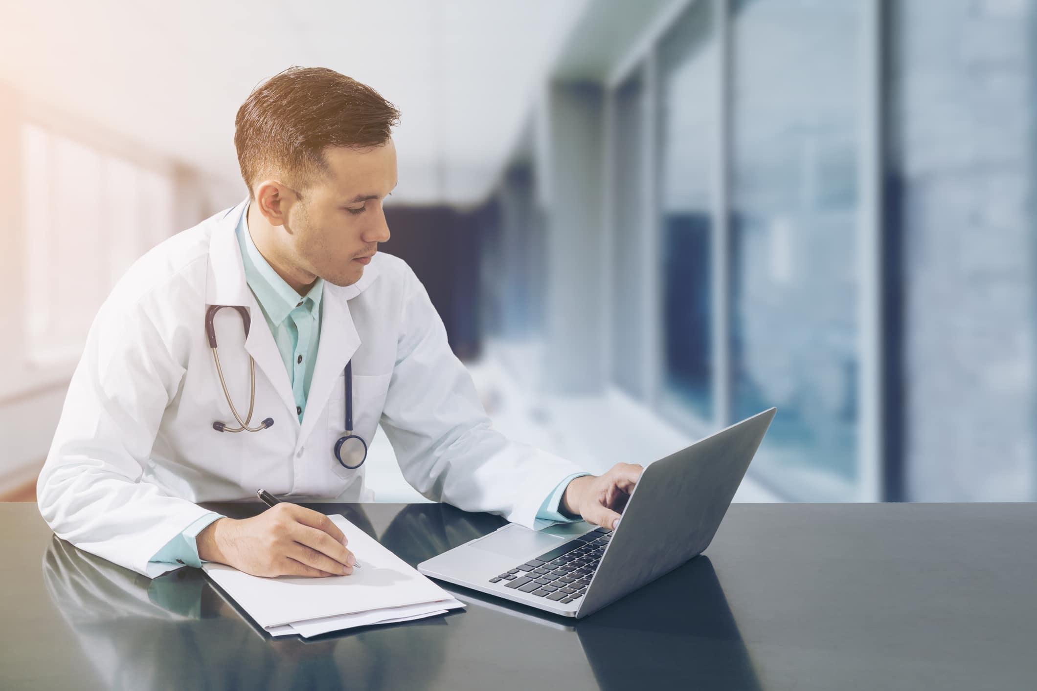 Escolher um bom sistema de gestão para clínicas aumenta a produtividade
